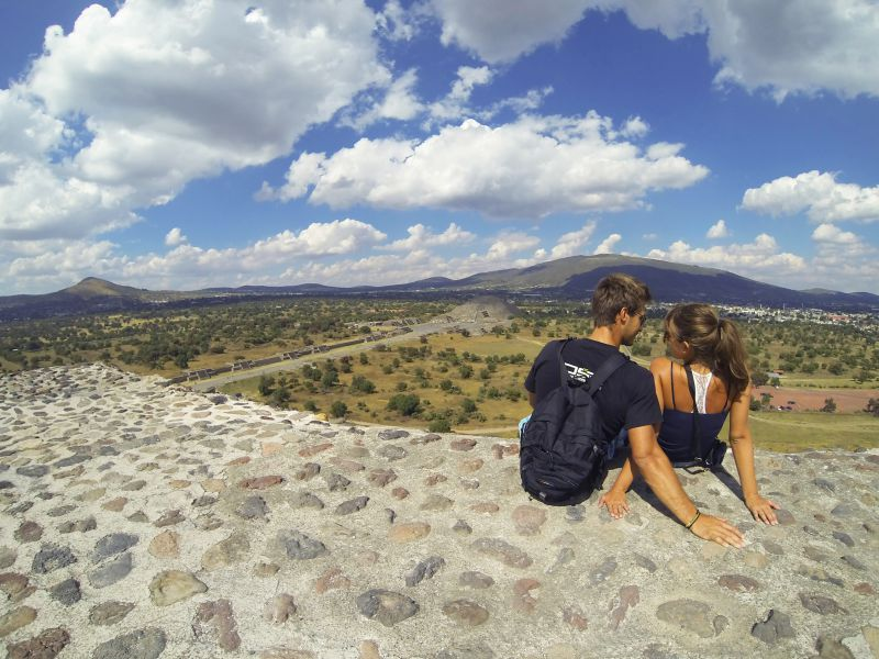 Teotihuacan honeymoon