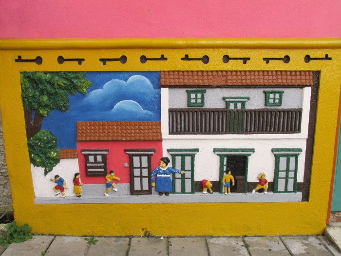 Guatape house art