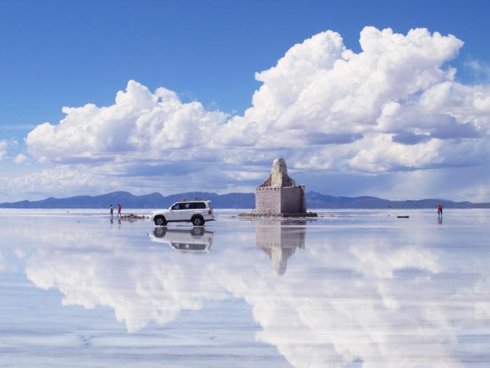 Salar de Uyuni Bolivia reflection