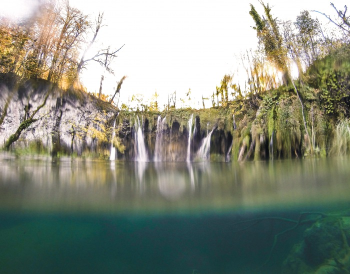Plitvice lakes underwater autumn