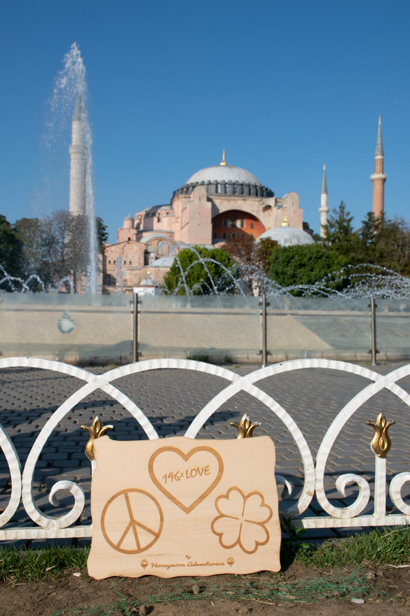 Istanbul 24 196xLOVE